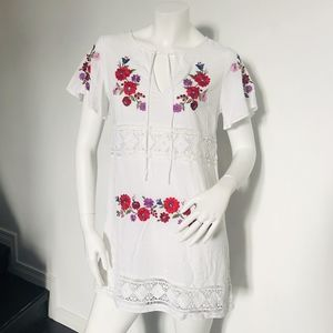 FOREVER 21 Floral embroided dress